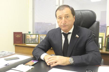 Депутат Госдумы от фракции «ЕДИНАЯ РОССИЯ» Заур Аскендеров стал одним из авторов принятого законопро