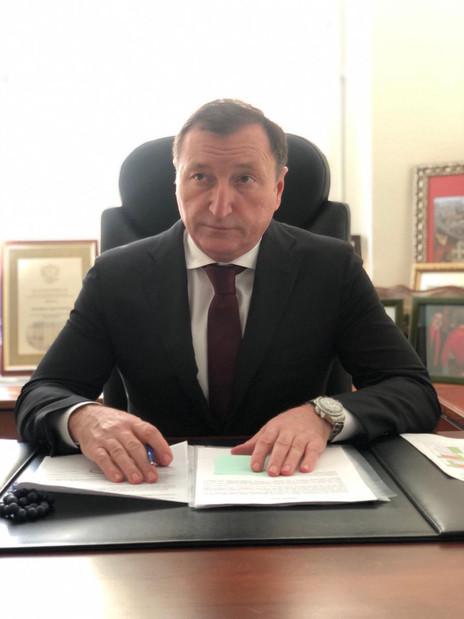 Заур Аскендеров провел дистанционный прием граждан