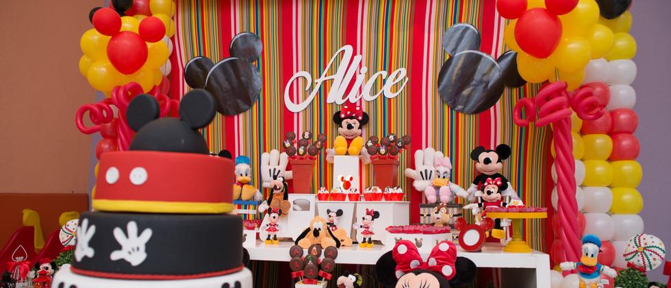 3 anos da Alice
