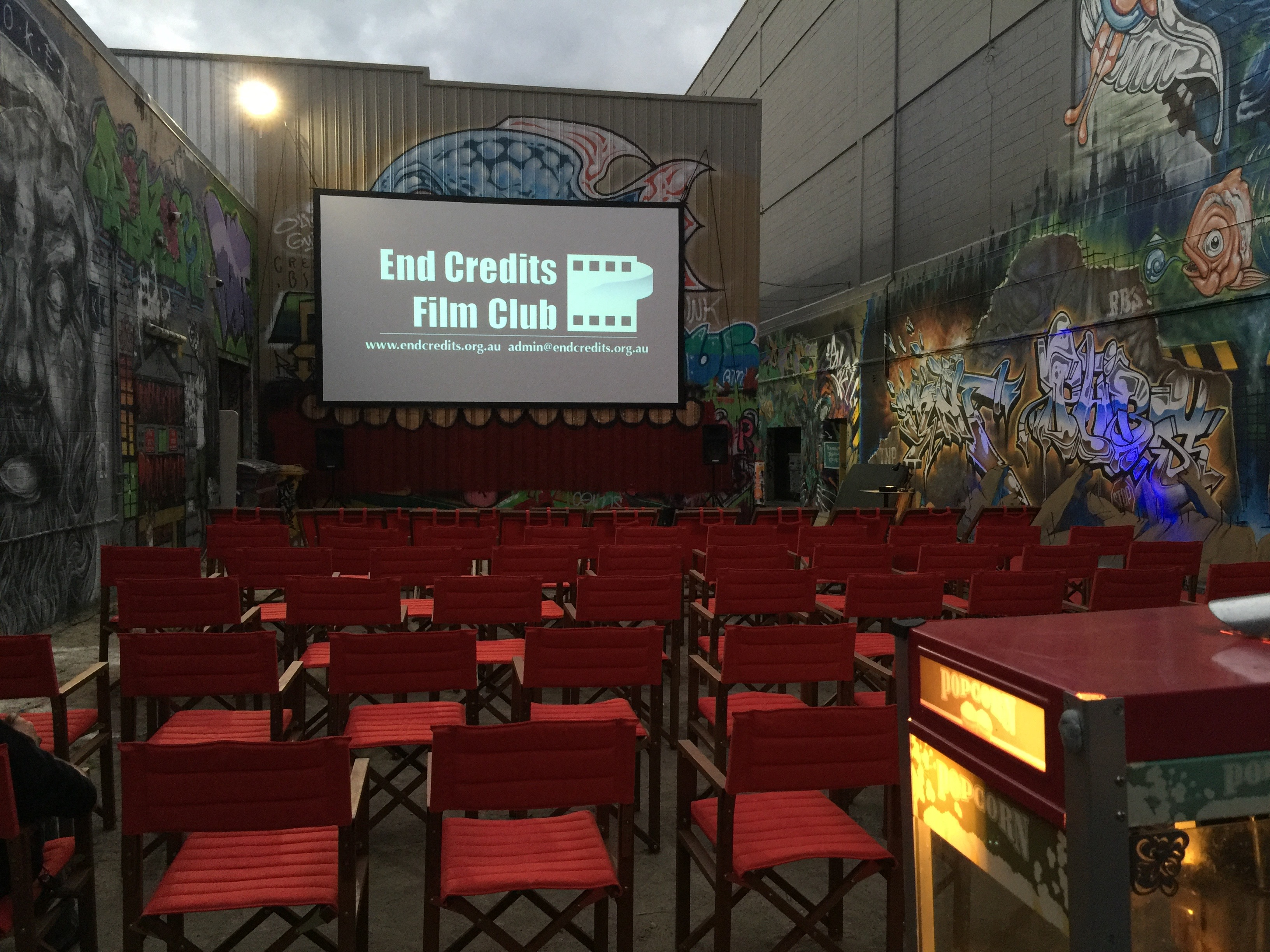 Petit Cine Bar
