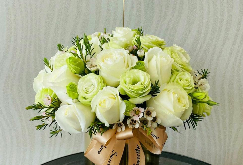 (FB14) White Roses Floral Box