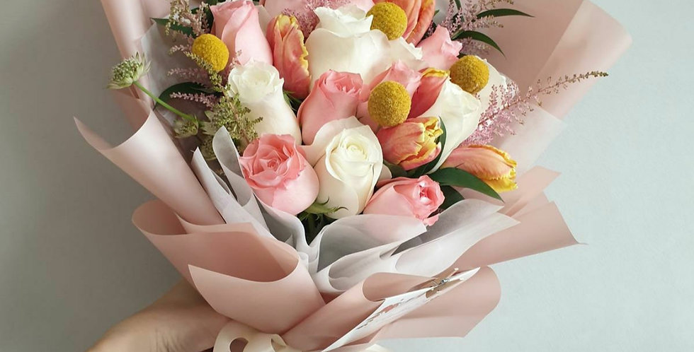 (L01) Triple - Lily & Roses