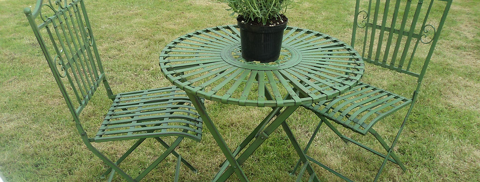 GREEN METAL TABLE AND CHAIRS