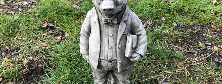 MR BADGER WITH CASE GARDEN ORNAMENT