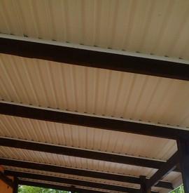 Отделка потолка террасы