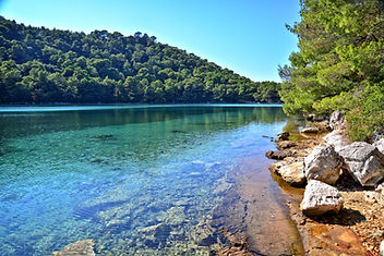 Mljet Small Lake,Joy of the Mediterranean, Mljet retreat, Yoga Retreat, healthy organic food, Cooking classes during retreat, stuning unspoiled nature, Mljet, Croatia, Retreats, Yoga retreat Mljet, Cooking workshop Mljet,