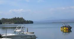 Schnellboote an der Lagune
