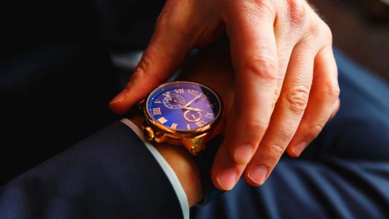นาฬิกาหรู.webp