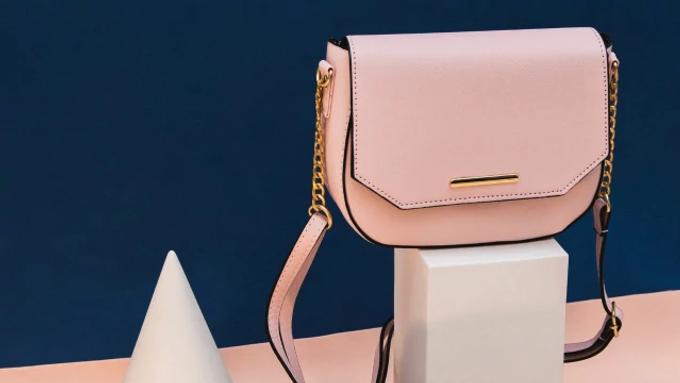 10 กระเป๋าแฟชั่น ที่คนส่วนใหญ่สนใจ | กระเป๋ายี่ห้อไหนดี