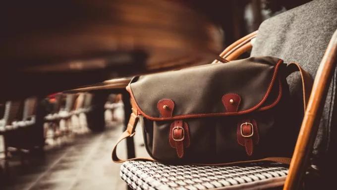 7 กระเป๋าแฟชั่น ที่คนส่วนใหญ่สนใจ | กระเป๋ายี่ห้อไหนดี