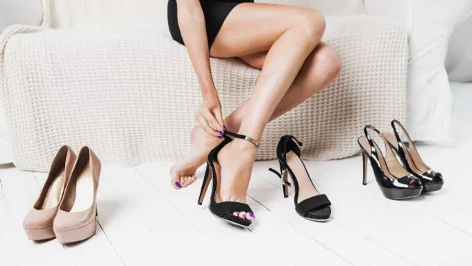 7 อันดับ รองเท้าแฟชั่น ที่คนส่วนใหญ่สนใจ | รองเท้ายี่ห้อไหนดี