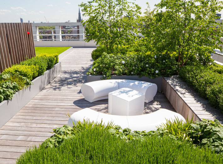 halo 05_kings-cross_london_roof_top_garden_white_circular_seating_tables.jpg
