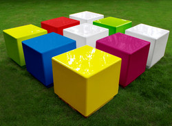10_cube_modular_playgrounds_play_area_seating.jpg
