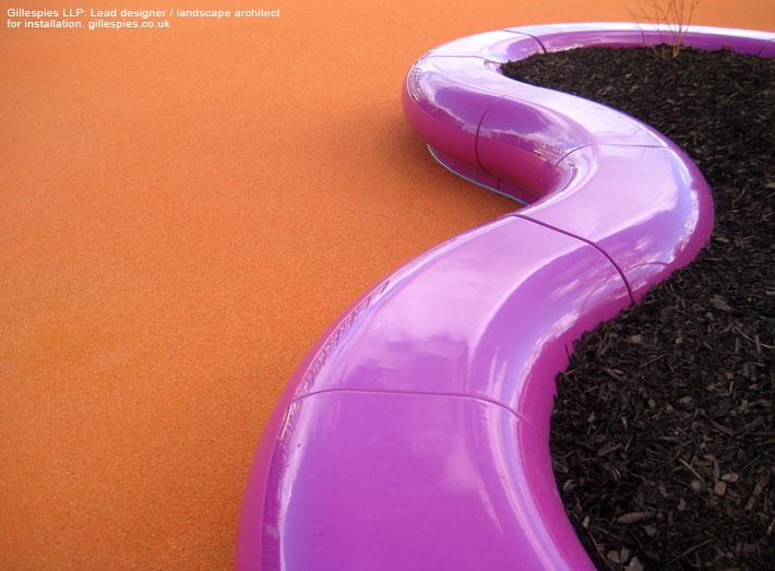 halo_modular_seating_creates_snaking_shapes_on_landscape.jpg