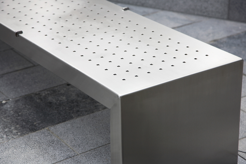 s06+stainless+steel+bench+detail.jpg