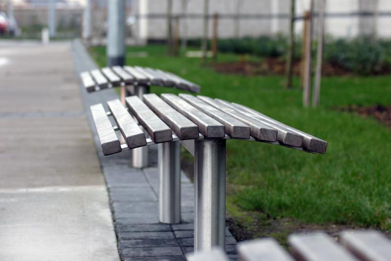 s19+bench.jpg
