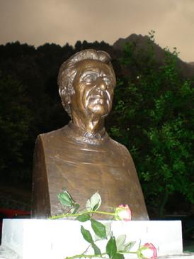 Bronze portraint of Dimitris Dragatakis