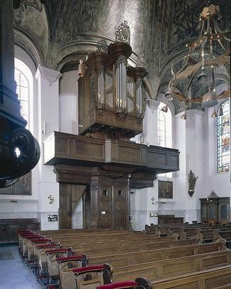 luciakerk interieur.jpg
