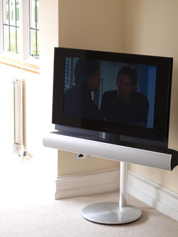 B&O Motorised stand