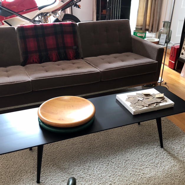 Paul McCobb Coffee table. Knoll Sofa.