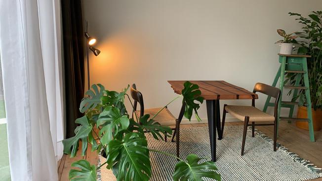 Kastanje tafels bij Alix Table & Jardin d'Amis