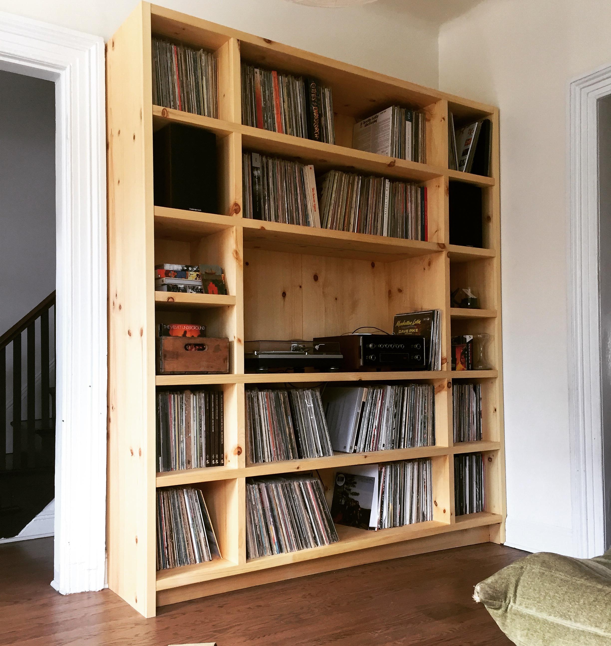 Record cabinet