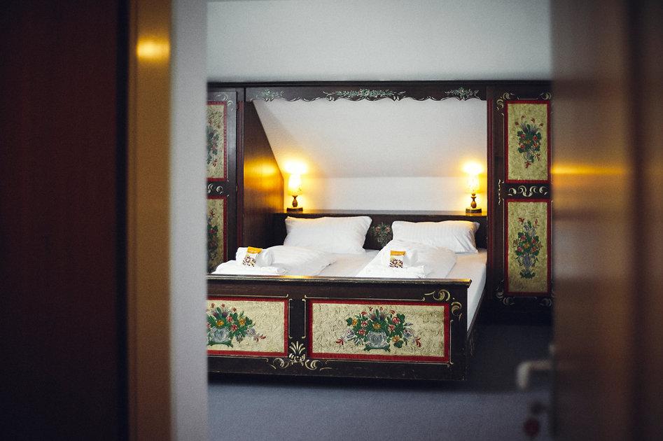 Betten durch Tür.jpg