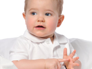 A jelnyelvi fejlődés kezdeti szakaszai, jelnyelv-elsajátítás