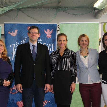 Sajtótájékoztató és Magyar Jelnyelv Napja a Jelnyelvi Játszótéren