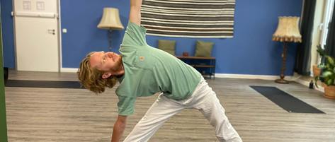 Satoki Hatha Yoga Trikonasana.jpg