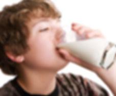 leite bebendo