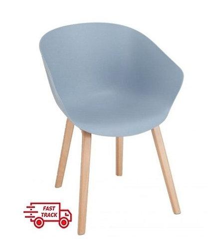 Faring Chair