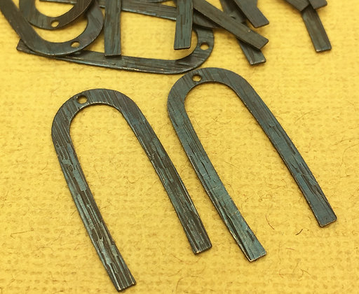 28mm Textured U Shaped Charms - 6 Pieces