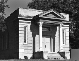 Temple_Freda_BW_Front_small.jpg