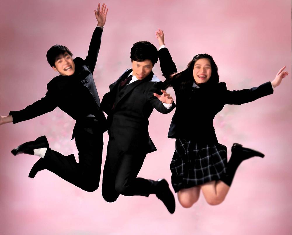 成人記念写真、跳ぶ3兄弟!