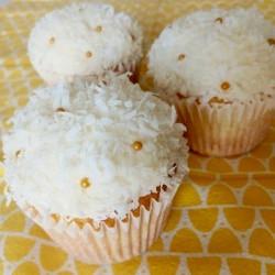 Coconut Pineapple Cupcakes