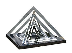 piramide_v002.1.jpg