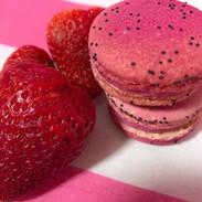 Strawberries & Creme Macaron