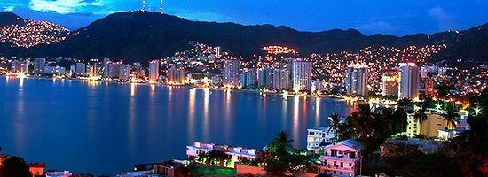 Acapulco de noche Viite http://www.enlacesturisticos.com.mx/guerrero