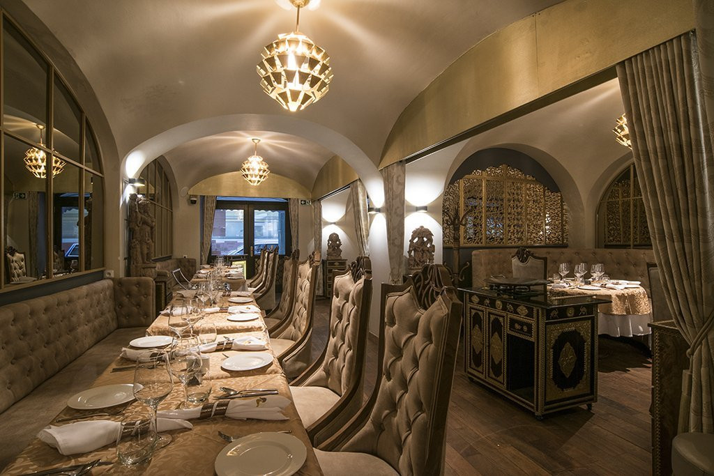 Sangam Restaurant (7).jpg