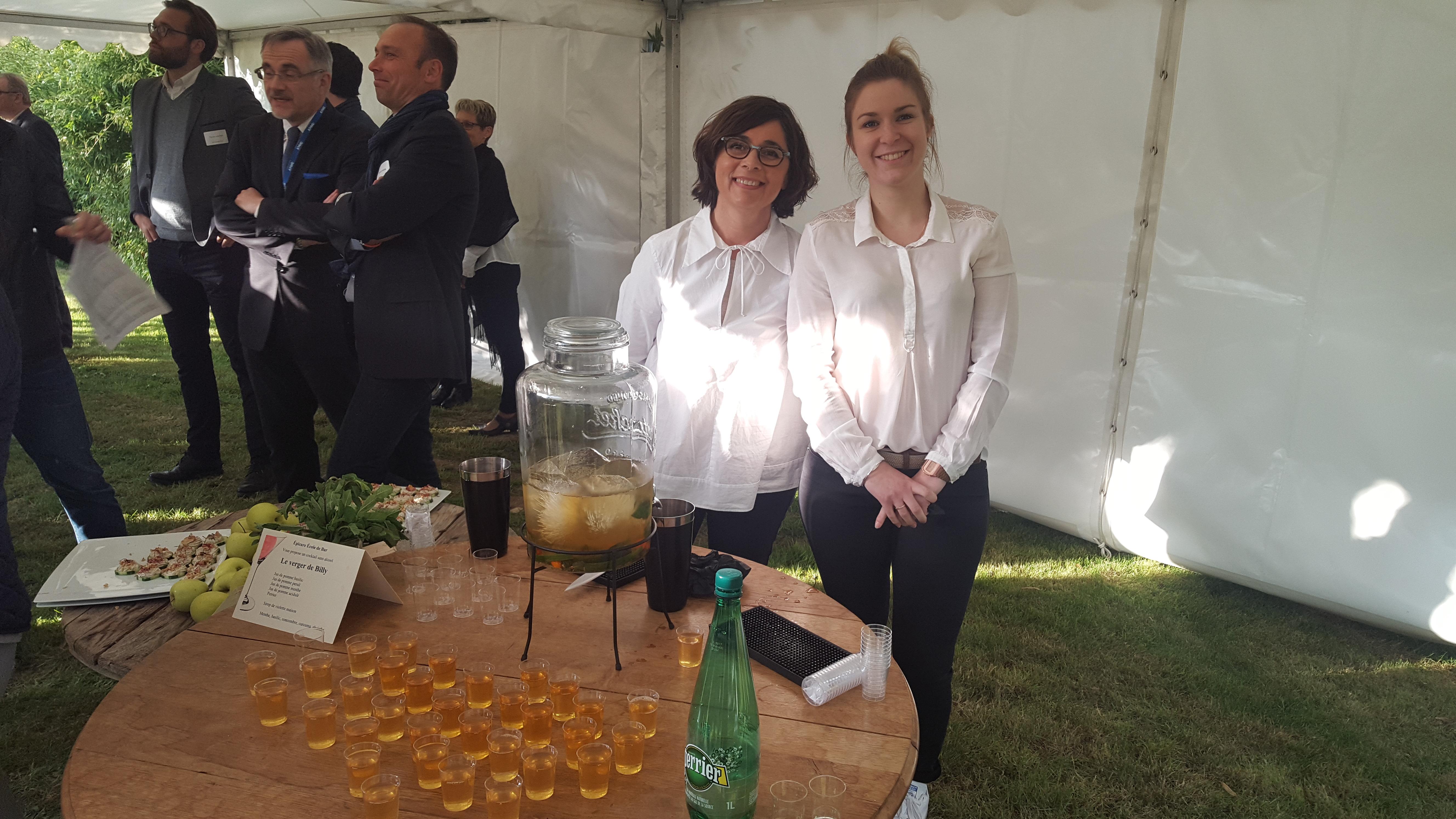 Serveuses du cocktail Détox