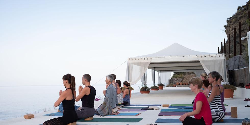Yoga und Meditation im Club Scannella auf Ischia
