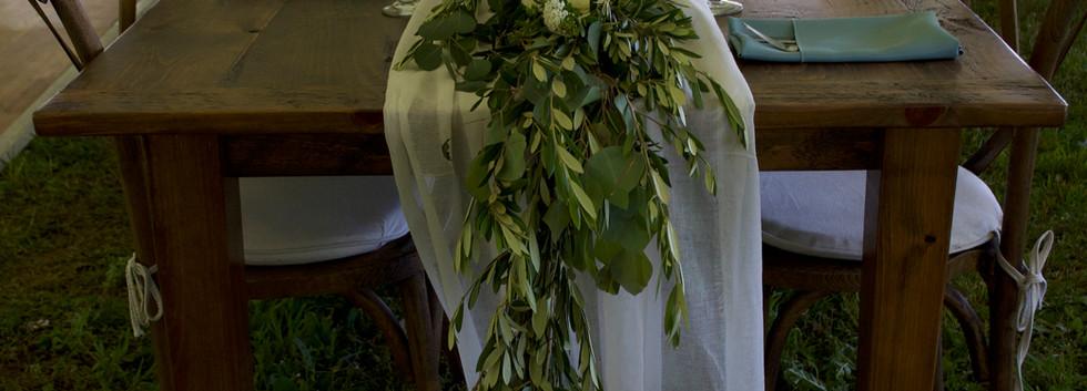 bermudez table garland.jpg