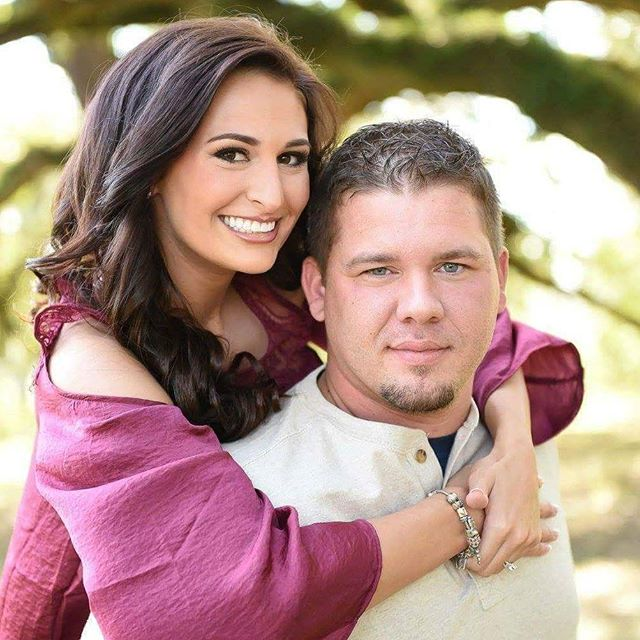 Beautiful engagement photo! #hairbypaigeb #makeupbypaigeb #hair #makeup #engagments #bride #tpfcosme