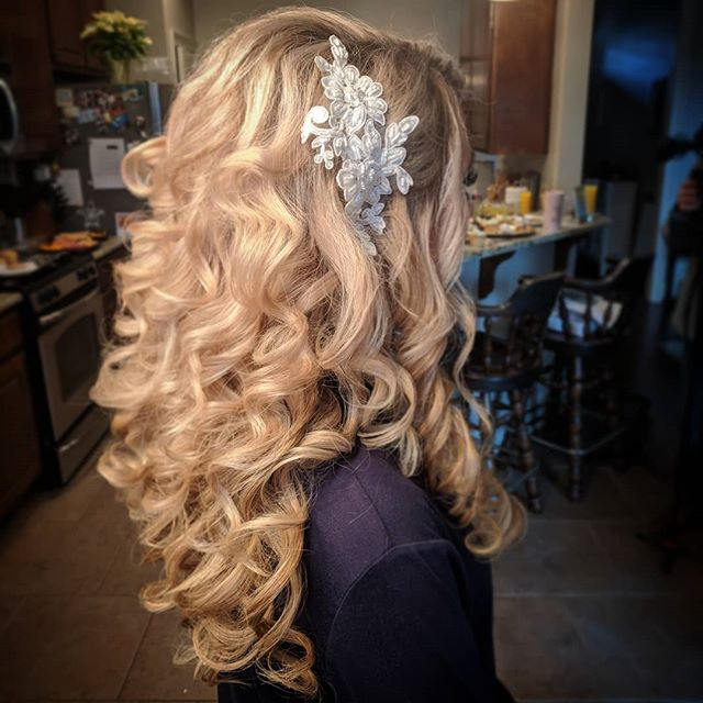 My bride today had #hairgoals!! Love it!