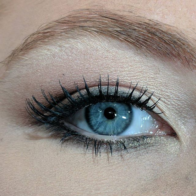 Loved her blue eyes!! I used shimmer pigment SATIN SHEETS by _theperfectface to help make her blue e