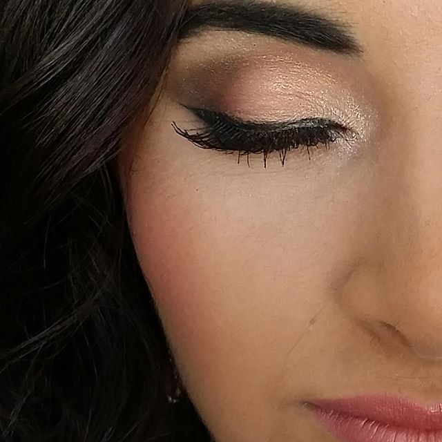 Sneak peak of this gorgeous homecoming look!! Loving all the PINK!! Eye lid pigment color Promise by