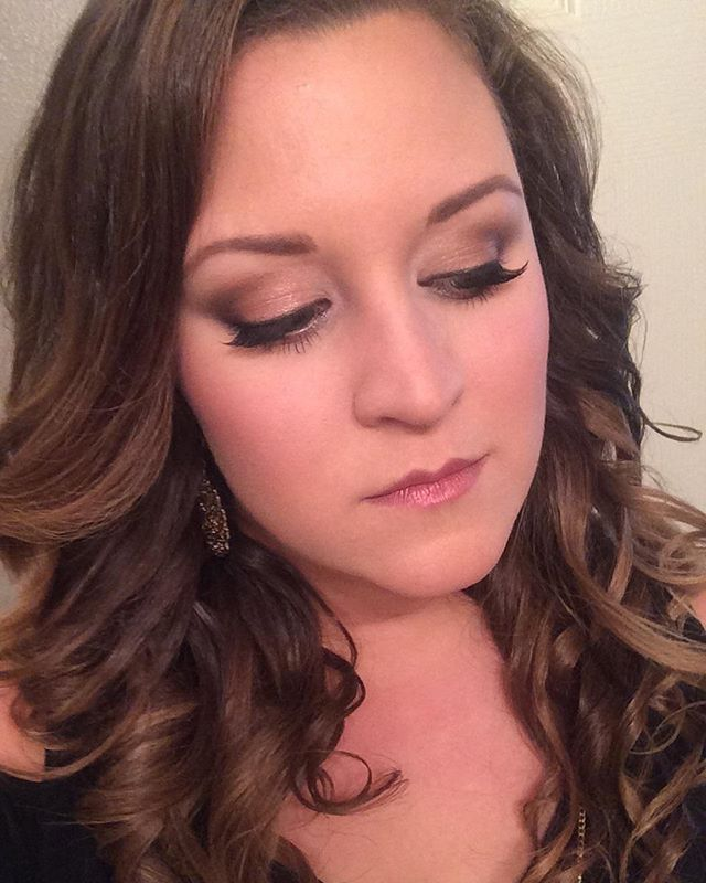 This gorgeous client selfie just happens to be my future sister-in-law!! #engagaments #makeupbypaige