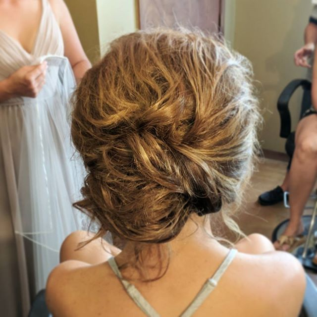 My bride wanted the _perfectly imperfect messy updo_! She made a gorgeous bride!!_._._