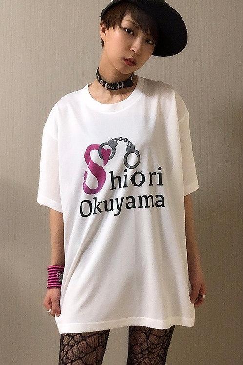 大きめロゴTシャツ